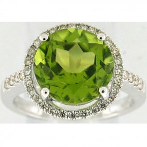 4.75Ctw Peridot and Diamonds Ladies Ring